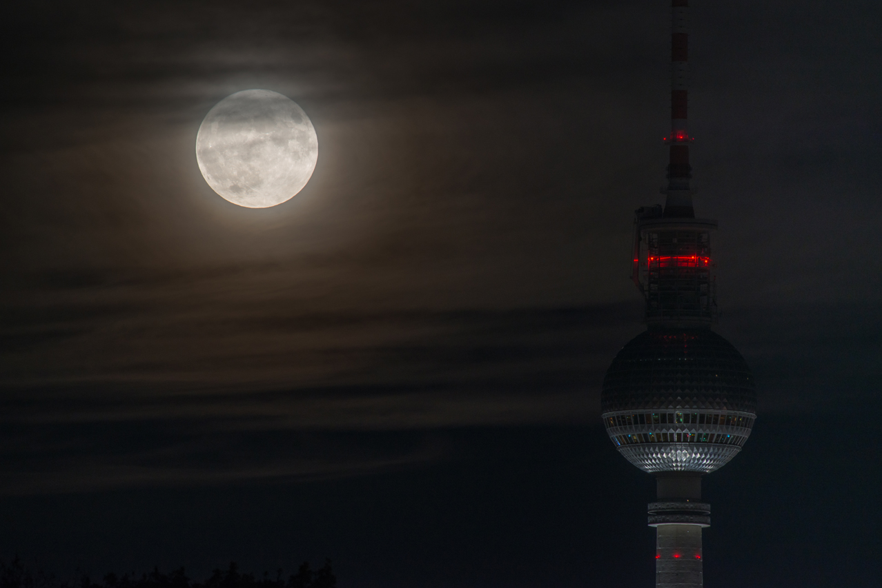 Supermond in Berlin